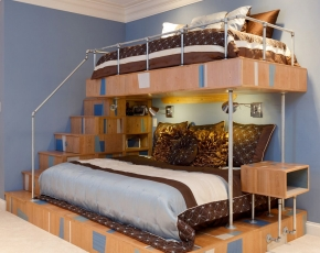 Bunk Beds w/ Stairs